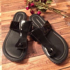 Donald Pliner Black Patent Thong Sandals